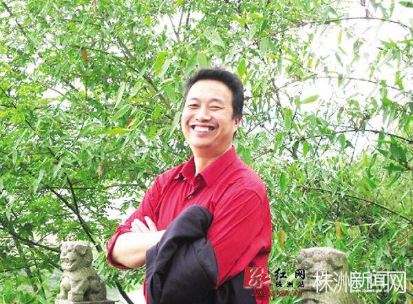"""教师汪瀛:从教30多年,但决不做""""老古董""""(图)"""